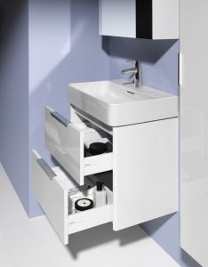 Ein Waschtischunterschrank bietet Platz für Pflegeprodukte und andere Kleinigkeiten, die im Bad gebraucht werden. Foto: Laufen